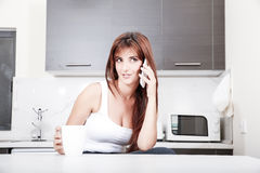 Φλύαρος στην κουζίνα Στοκ φωτογραφία με δικαίωμα ελεύθερης χρήσης