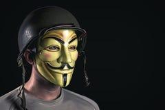 Χάκερ με τη μάσκα Στοκ εικόνες με δικαίωμα ελεύθερης χρήσης