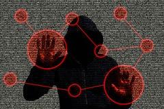 Χάκερ που έχει πρόσβαση σε ένα δίκτυο υπολογιστών Στοκ Φωτογραφίες
