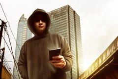 Χάκερ στην οδό Στοκ εικόνα με δικαίωμα ελεύθερης χρήσης