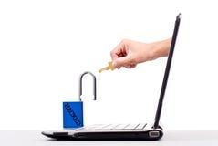 χάκερ υπολογιστών σε απ&eps Στοκ Φωτογραφία