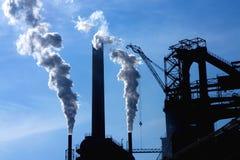 χάλυβας καπνού εργοστασίων Στοκ εικόνες με δικαίωμα ελεύθερης χρήσης