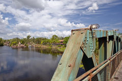 χάλυβας ποταμών γεφυρών Στοκ φωτογραφία με δικαίωμα ελεύθερης χρήσης