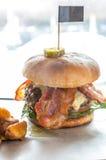 Χάμπουργκερ βόειου κρέατος του Angus Στοκ Φωτογραφία