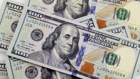 Χάπια και λογαριασμοί εκατό δολαρίων φιλμ μικρού μήκους