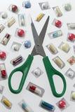 Χάπια που κόβουν, διανομή μονάδων Στοκ φωτογραφία με δικαίωμα ελεύθερης χρήσης