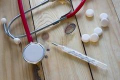 Χάπια, στηθοσκόπιο Στοκ φωτογραφίες με δικαίωμα ελεύθερης χρήσης
