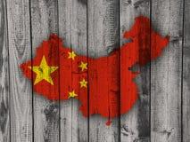 Χάρτης και σημαία της Κίνας στο ξεπερασμένο ξύλο Στοκ φωτογραφίες με δικαίωμα ελεύθερης χρήσης