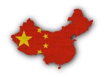 Χάρτης και σημαία της Κίνας στο παλαιό λινό Στοκ Εικόνες