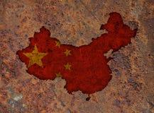 Χάρτης και σημαία της Κίνας στο σκουριασμένο μέταλλο Στοκ φωτογραφίες με δικαίωμα ελεύθερης χρήσης