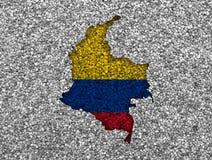 Χάρτης και σημαία της Κολομβίας στους σπόρους παπαρουνών Στοκ φωτογραφίες με δικαίωμα ελεύθερης χρήσης