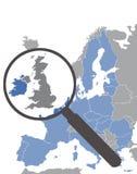 Χάρτης της Ευρωπαϊκής Ένωσης χωρίς Αγγλία μετά από Brexit που δίνει έμφαση στη Μεγάλη Βρετανία πίσω από την ενίσχυση - γυαλί απεικόνιση αποθεμάτων