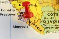 Χάρτης της κόκκινης καρφίτσας της Λιβερίας στο capitol Μονροβία διανυσματική απεικόνιση