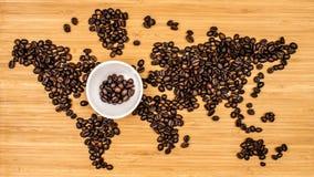 Χάρτης του κόσμου φιαγμένου από φασόλια καφέ Στοκ εικόνες με δικαίωμα ελεύθερης χρήσης