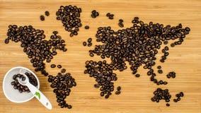 Χάρτης του κόσμου φιαγμένου από φασόλια καφέ Στοκ εικόνα με δικαίωμα ελεύθερης χρήσης