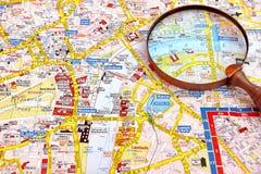 Χάρτης του Λονδίνου και του πιό magnifier γυαλιού Στοκ φωτογραφία με δικαίωμα ελεύθερης χρήσης