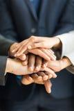 Χέρια ανθρώπων από κοινού Στοκ εικόνες με δικαίωμα ελεύθερης χρήσης
