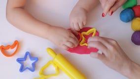 Χέρια γυναικών και παιδιών φιλμ μικρού μήκους