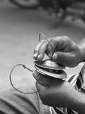 Χέρια και κύμβαλα δάχτυλων Στοκ Φωτογραφίες