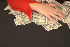 Χέρια και χρήματα απόθεμα βίντεο