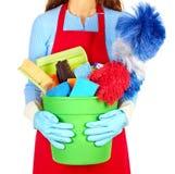 Χέρια κοριτσιών με τον καθαρισμό των εργαλείων στοκ εικόνες