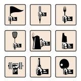 Χέρια με τα διάφορα οικιακά στοιχεία Στοκ Εικόνες