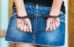 Χέρια οριακά με τις χειροπέδες Στοκ Φωτογραφία