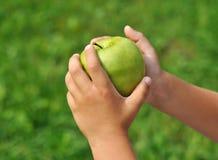 χέρια παιδιών Στοκ Εικόνα