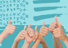Χέρια που δίνουν τους αντίχειρες επάνω ενάντια στην μπλε συρμένη χέρι αμερικανική σημαία Στοκ Εικόνες