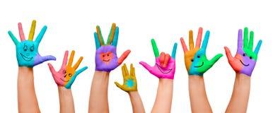 χέρια που χρωματίζονται Στοκ φωτογραφία με δικαίωμα ελεύθερης χρήσης