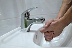Χέρια πλύσης Στοκ Εικόνα