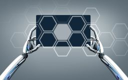 Χέρια ρομπότ με το PC ταμπλετών πέρα από το γκρίζο υπόβαθρο Στοκ Εικόνα