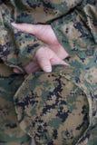 χέρια στρατιωτικά Στοκ φωτογραφίες με δικαίωμα ελεύθερης χρήσης