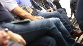 Χέρια των ανθρώπων στην αίθουσα συνεδριάσεων επιχειρησιακή κατάρτιση απόθεμα βίντεο