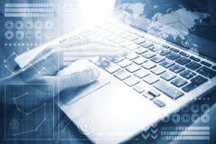 χέρι έννοιας υπολογιστών ανασκόπησης λογιστικής που απομονώνεται πέρα από το λευκό Στοκ εικόνες με δικαίωμα ελεύθερης χρήσης