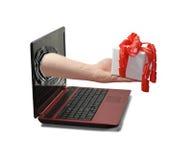 Χέρι από το lap-top στοκ φωτογραφίες με δικαίωμα ελεύθερης χρήσης