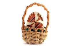 χέρι αυγών Πάσχας που χρωμ&alpha Στοκ Φωτογραφία