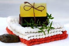χέρι - γίνοντα φυσικό σαπούν&iot Στοκ εικόνες με δικαίωμα ελεύθερης χρήσης