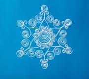 Χέρι - γίνοντα snowflake Χριστουγέννων εγγράφου Στοκ Εικόνα