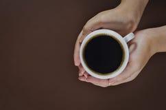 χέρι καφέ Στοκ φωτογραφία με δικαίωμα ελεύθερης χρήσης