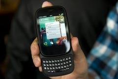 χέρι κινητών τηλεφώνων στοκ εικόνες