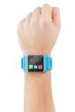 Χέρι με το έξυπνο ρολόι στοκ εικόνες με δικαίωμα ελεύθερης χρήσης