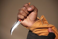 Χέρι με το μαχαίρι Στοκ φωτογραφίες με δικαίωμα ελεύθερης χρήσης