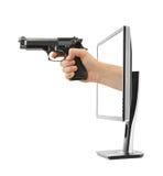 Χέρι με το όργανο ελέγχου πυροβόλων όπλων και υπολογιστών Στοκ φωτογραφίες με δικαίωμα ελεύθερης χρήσης