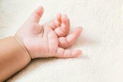 Χέρι & x28 μωρών Επιλεγμένο focus& x29  με ένα διάστημα αντιγράφων Στοκ εικόνες με δικαίωμα ελεύθερης χρήσης