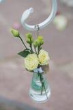 Χέρι ξύλου και λινού - γίνοντη γαμήλια διακόσμηση στοκ φωτογραφίες με δικαίωμα ελεύθερης χρήσης