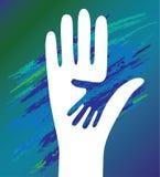 χέρι πατέρων ενθάρρυνσης παιδιών