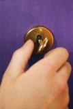 χέρι πορτών ανοικτό Στοκ εικόνα με δικαίωμα ελεύθερης χρήσης