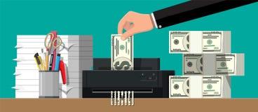 Χέρι που βάζει το τραπεζογραμμάτιο δολαρίων στη μηχανή καταστροφέων εγγράφων ελεύθερη απεικόνιση δικαιώματος