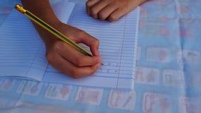 Χέρι σπουδαστών φιλμ μικρού μήκους
